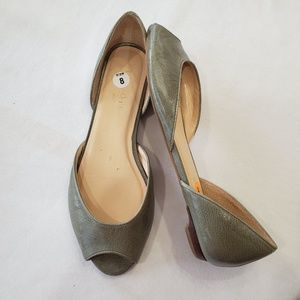 TALBOTS green textured leather open toe flats